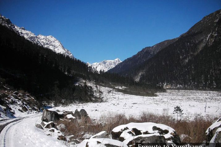 enroute-to-yumthang