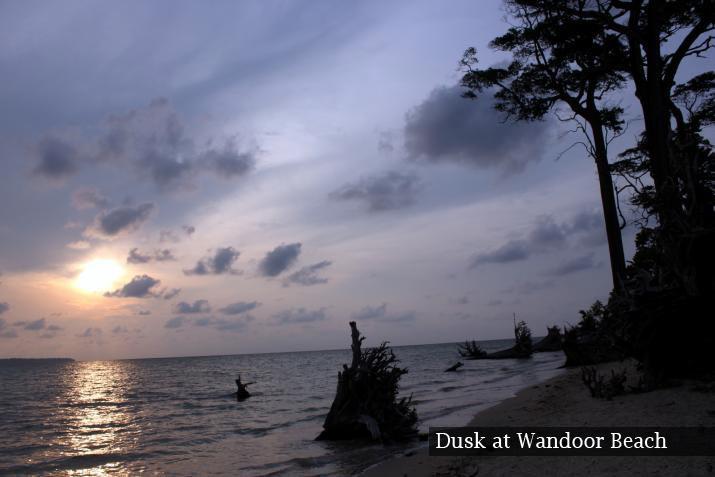 dusk-at-wandoor-beach